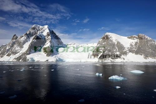 large glacier on the kiev peninsula continental Antarctica