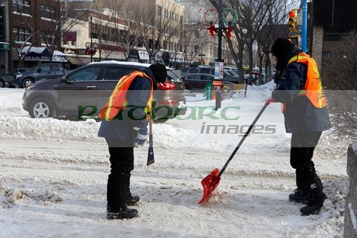 clearing sidewalks of snow and ice saskatoon