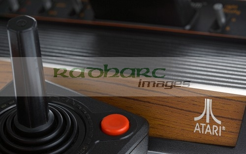 Video games - Atari 2600 woodie console