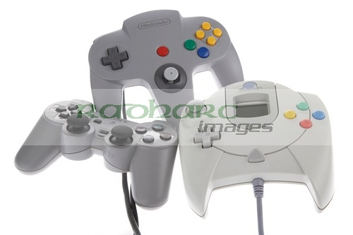 Video games - Playstation N64 Sega Dreamcast games console controllers