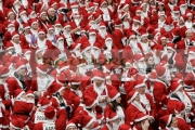 Over-10000-people-dressed-as-santa-claus-attempt-the-Guinness-World-Record-in-Derry-Northern-Ireland