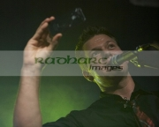Tyler-Ward-takes-camera-phone-photo-the-crowd-at-the-Speakeasy-Queens-University-Belfast-Students-Union-Sunday-26th-February-2012