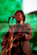 BELFAST,-UNITED-KINGDOM-_-AUGUST-11:-Wayne-Coyne-The-Flaming-Lips-performs-at-day-one-Belsonic-at-Custom-House-Square-on-August-11,-2008-in-Belfast,-Northern-Ireland.