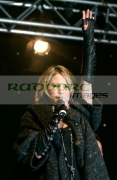Rachel-Stevens-at-the-switch-on-Belfasts-Christmas-lights,-Belfast-City-Hall,-Northern-Ireland-UK