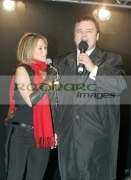 Rachel-Stevens-Eamonn-Holmes-at-the-switch-on-Belfasts-Christmas-lights,-Belfast-City-Hall,-Northern-Ireland-UK