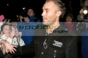 BELFAST,-UNITED-KINGDOM-_-NOVEMBER-21:-Calum-Best-at-switch-on-the-Belfast-Christmas-Lights-at-Belfast-City-Hall-on-November-21,-2006-in-Belfast,-Northern-Ireland