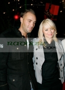 BELFAST,-UNITED-KINGDOM-_-NOVEMBER-21:-Calum-Best-Liz-McLarnon-at-switch-on-the-Belfast-Christmas-Lights-at-Belfast-City-Hall-on-November-21,-2006-in-Belfast,-Northern-Ireland