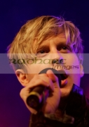 BELFAST,-UNITED-KINGDOM-_-NOVEMBER-18:-Gerard-McCarthy-performs-at-switch-on-the-Belfast-Christmas-Lights-at-Belfast-City-Hall-on-November-18,-2008-in-Belfast,-Northern-Ireland