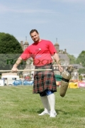 Gregor-Edmunds-from-Scotland-at-the-Glenarm-Castle-International-Highland-Games-USA-v-Europe,-Glenarm,-County-Antrim,-Northern-Ireland.