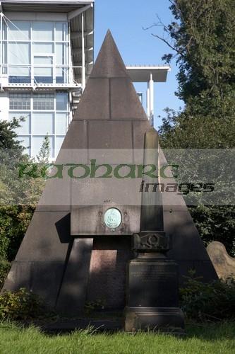 Mackenzie pyramid grave