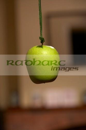 Halloween in Ireland - snap apple - hanging apple game