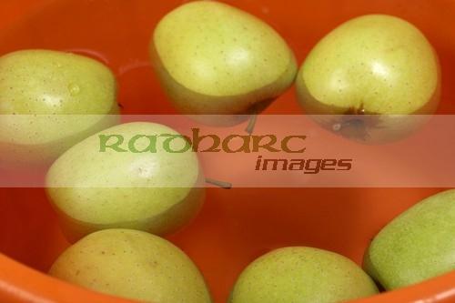 Halloween in Ireland - dunking apples