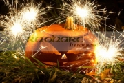 illuminated-halloween-pumpkin-jack_o_lantern-with-sparklers