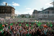 crowd-revellers-at-the-st-patricks-day-concert-carnival-in-custom-house-square-belfast-northern-ireland