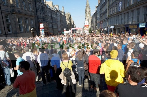 Busy Royal Mile in Edinburgh