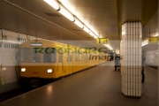 u_bahn-train-pulling-in-to-ubahn-station-Berlin-Germany