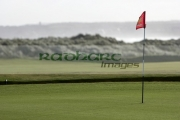 hole-flag-pole-on-green-on-an-irish-links-golf-course-castlerock-county-derry-londonderry-northern-ireland