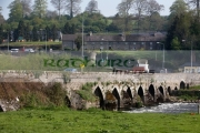 slane-bridge-over-the-boyne-river-with-its-notorious-hill-dangerous-bend-regulated-by-one-way-traffic-system-slane-county-meath-republic-ireland