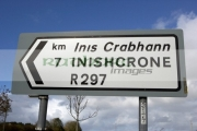 bilingual-irish-gaelic-english-road-sign-signpost-for-local-spelling-inishcrone-enniscrone-county-sligo-republic-ireland