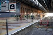 platform-4-passengers-rail-track-at-Connolly-iarnrod-eireann-station-in-Dublin