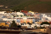 typical-canarian-buildings-apartments-beneath-the-hills-in-la-cuesta-tenerife-canary-islands-spain