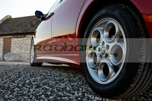 alloy wheels and new tyres on an Alfa Romeo 156