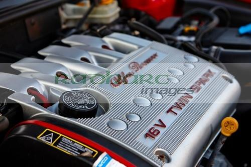 engine cover on an Alfa Romeo twin spark engine in a 156