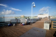people-fishing-on-daytona-beach-pier-florida-usa